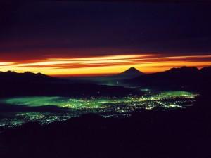 富士山(北アルプス燕岳より安曇野の夜明け)
